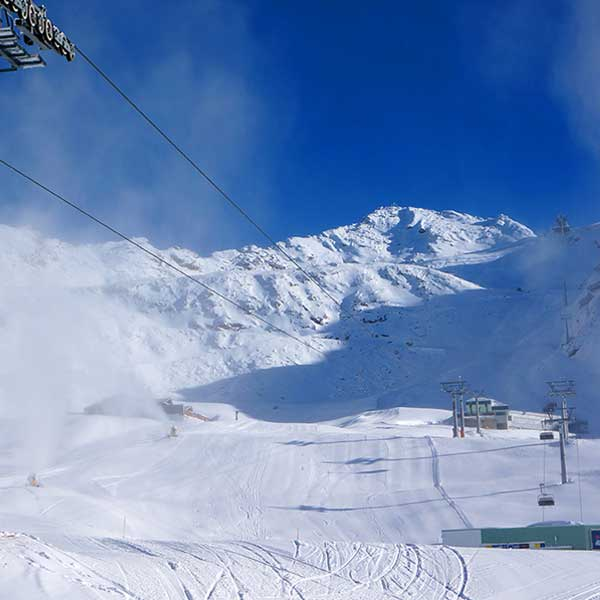 Verschneite Skipiste in Obergurgl-Hochgurgl, Ötztal, Tirol, Ski Opening