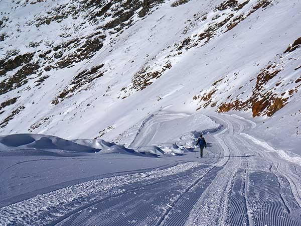 Skitourengeher auf den letzten Metern - Obergurgl-Hochgurgl, Ötztal, Tirol, Ski-Opening