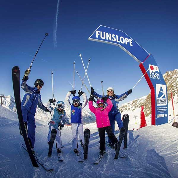 Skigruppe im Startbereich der Funslope - Funslope Hochgurgl