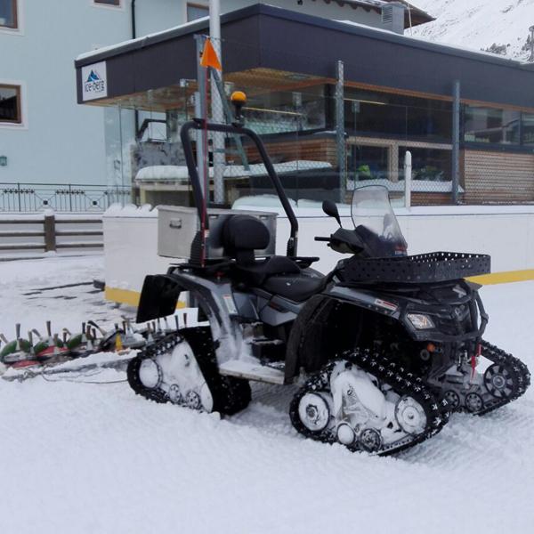 Eismaschine in Obergurgl - Eislaufen in Obergurgl-Hochgurgl
