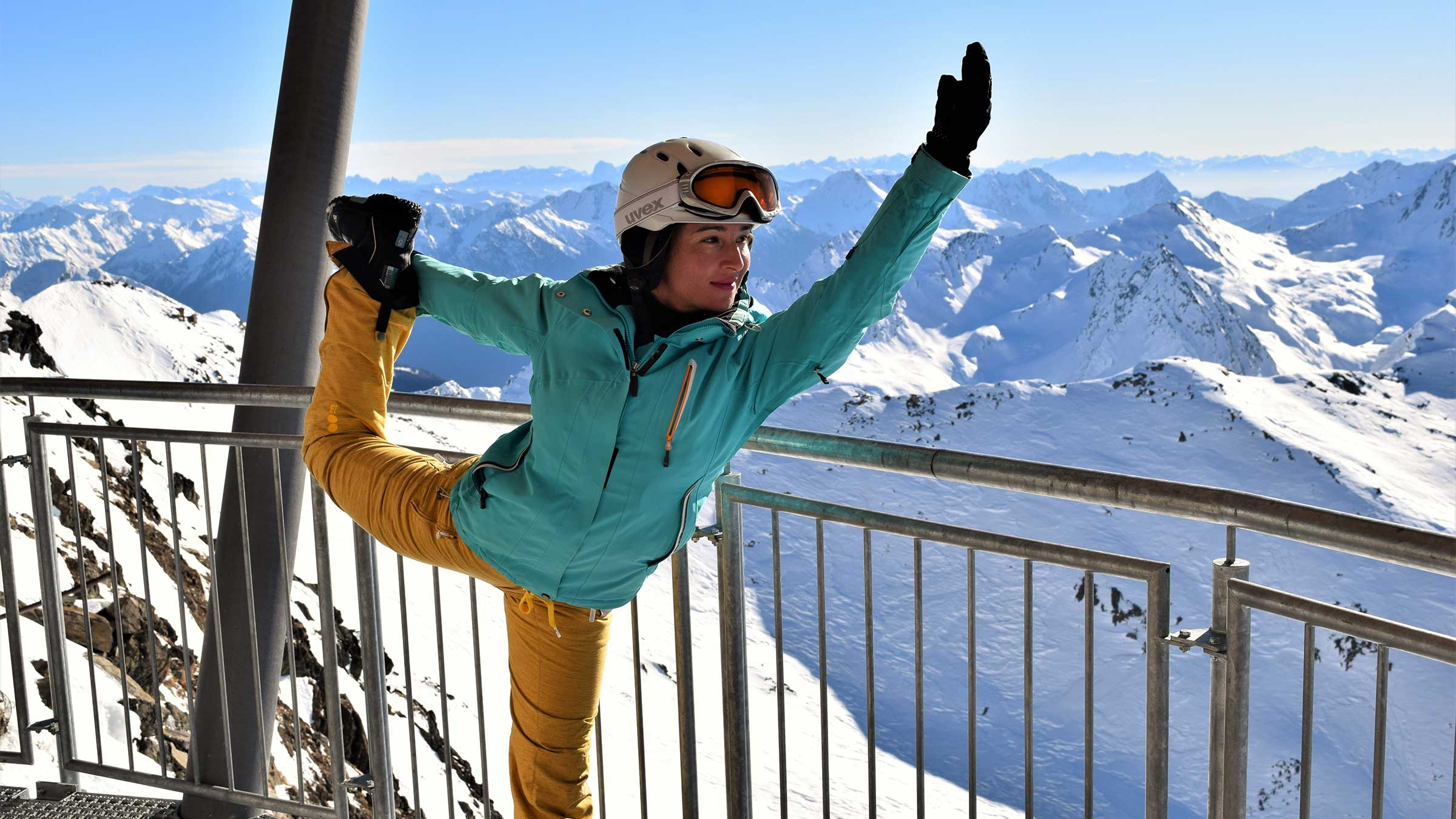 Snowboarderin beim Yoga - Alpine Yoga mit Apura Yoga in Obergurgl