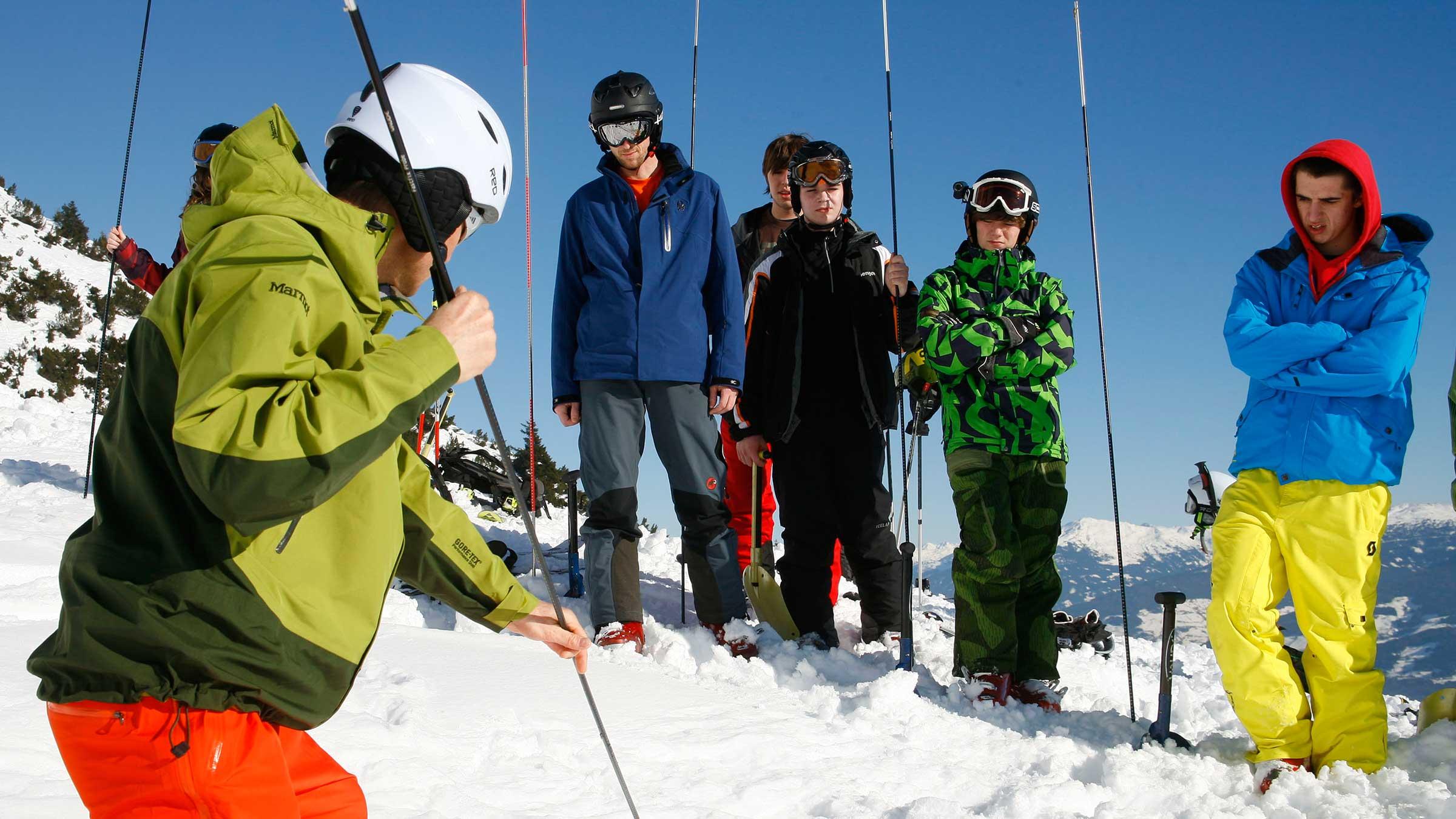 Unterricht mit der Sonde - SNOWHOW Workshop Lawine Obergurgl-Hochgurgl