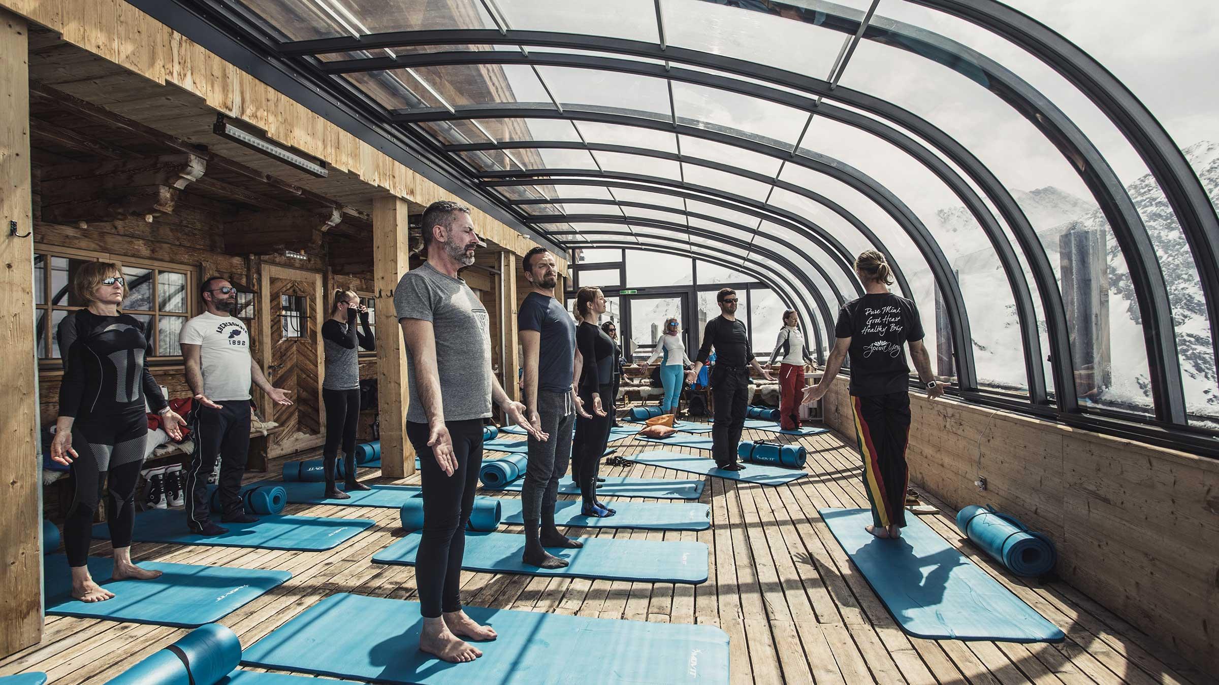Yoga auf der Hohen Mut Alm - Powder Snow Week Obergurgl-Hochgurgl
