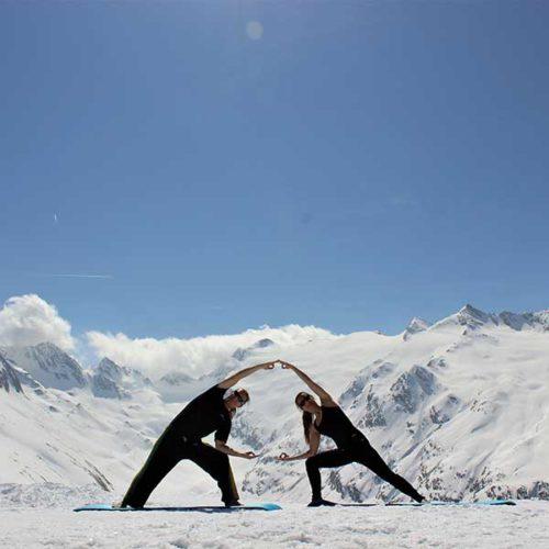 Yoga vor Bergwelt - Alpine Yoga mit Apura Yoga in Obergurgl