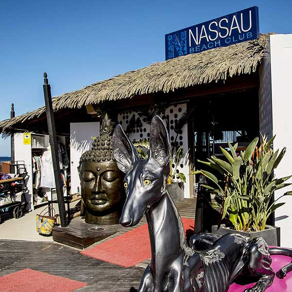 Nassau Beach Club - Diamant der Alpen Nassau Beach Club Ibiza