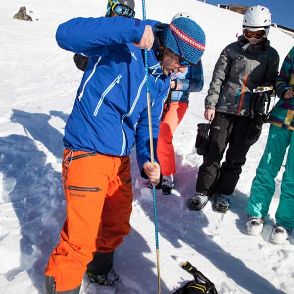 Umgang mit der Sonde - SNOWHOW Workshop Lawine