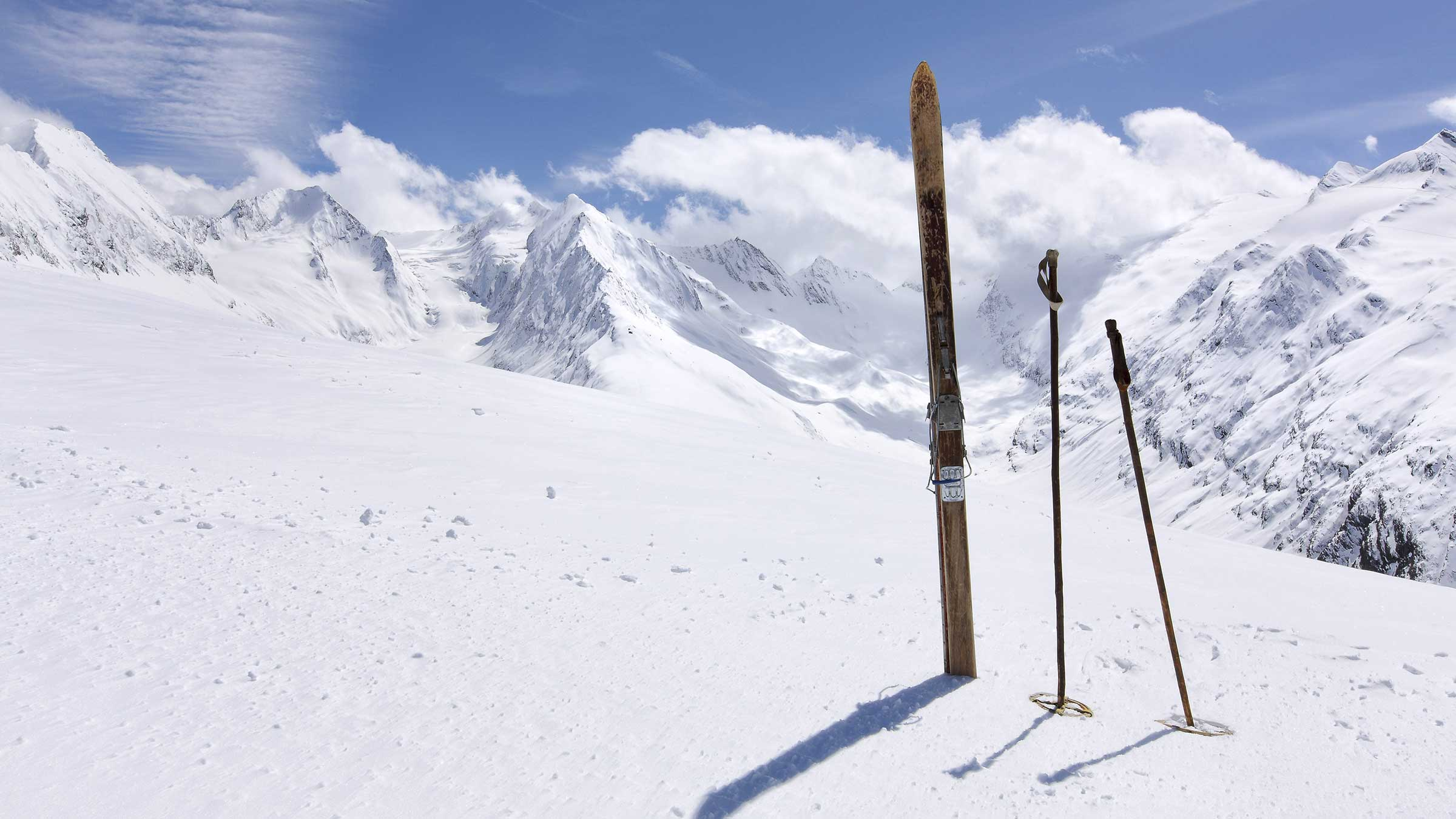Altes Paar Skier - Obergurgl-Hochgurgl Rückblick Wintersaison