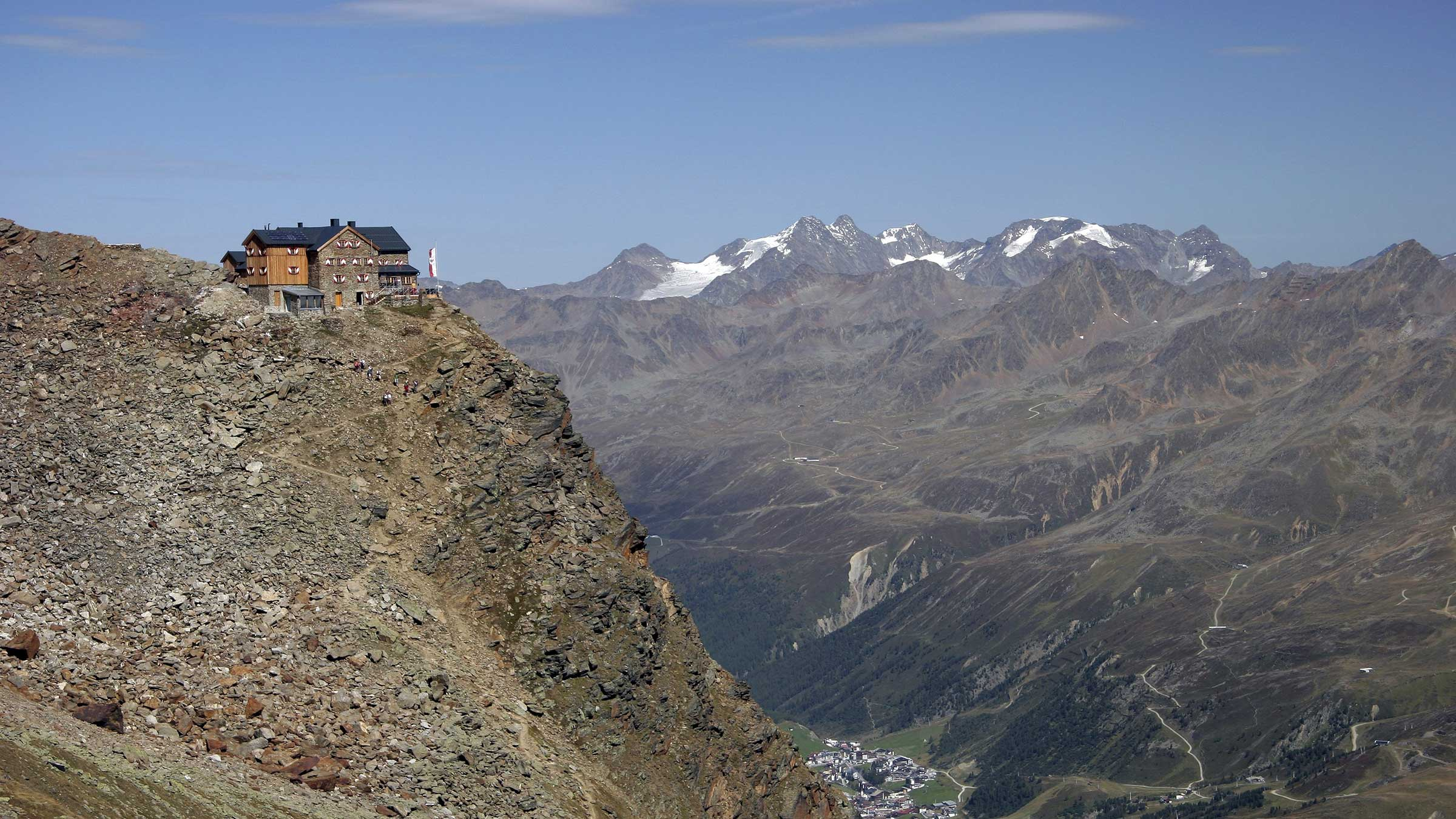 Ramolhaus – Awesome View of 3000-meter high Peaks