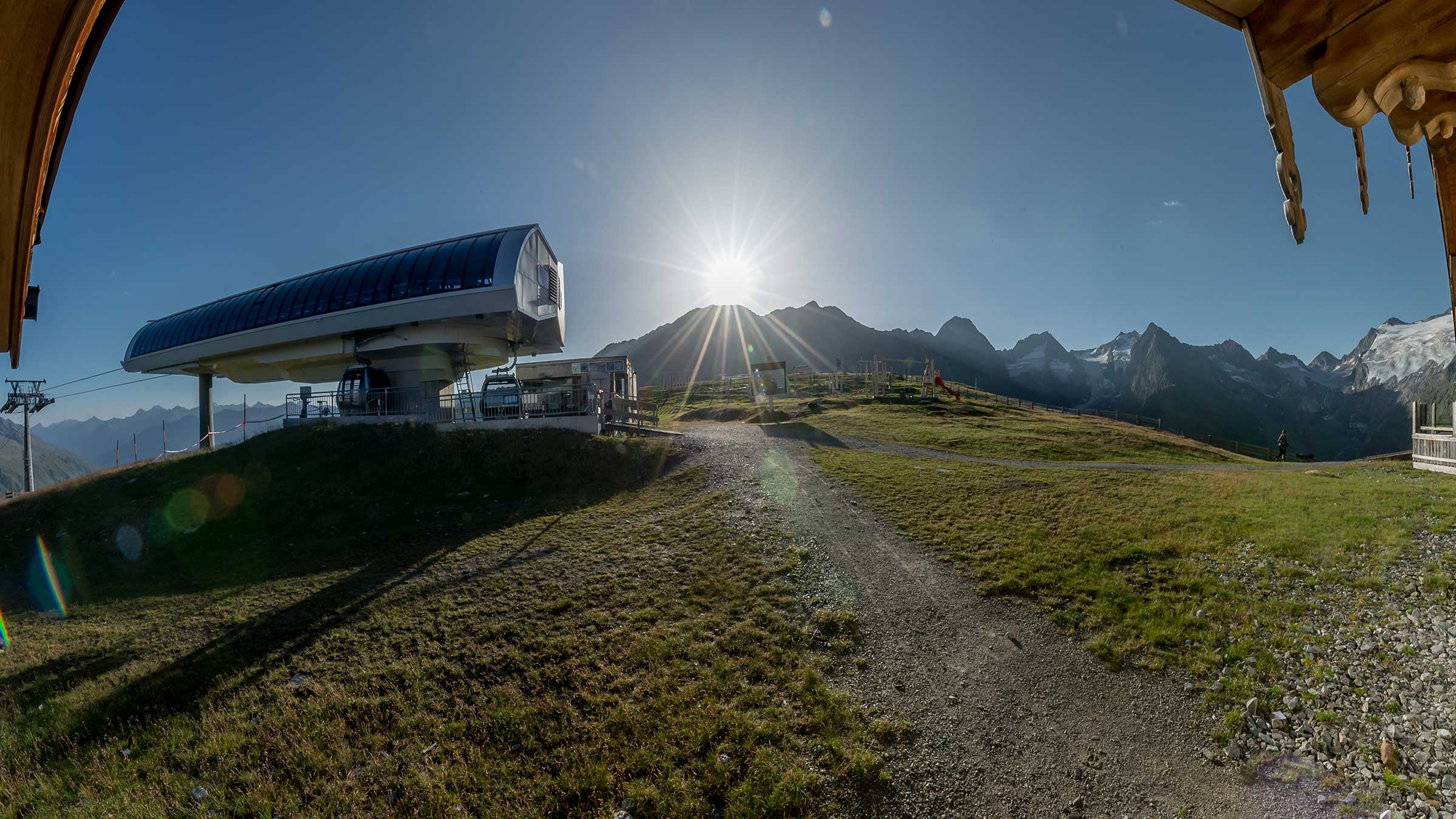 Out of bed just in time to catch the first sunrays: Hohe Mut Alm Sunrise Ride