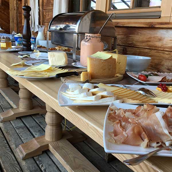 Frühstück Hohe Mut Alm - Sonnenaufgangsfahrt Hohe Mut Alm