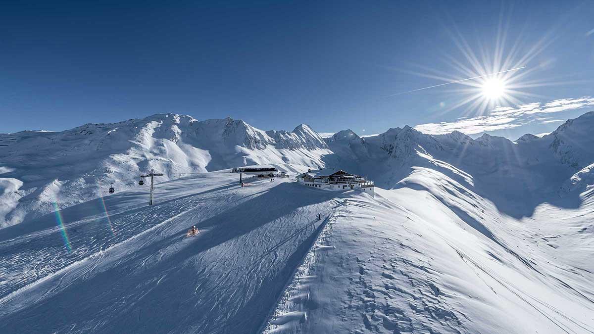Blick auf Hohe Mut Bahn & Hohe Mut Alm im Winter - Hohe Mut Bahn Obergurgl-Hochgurgl