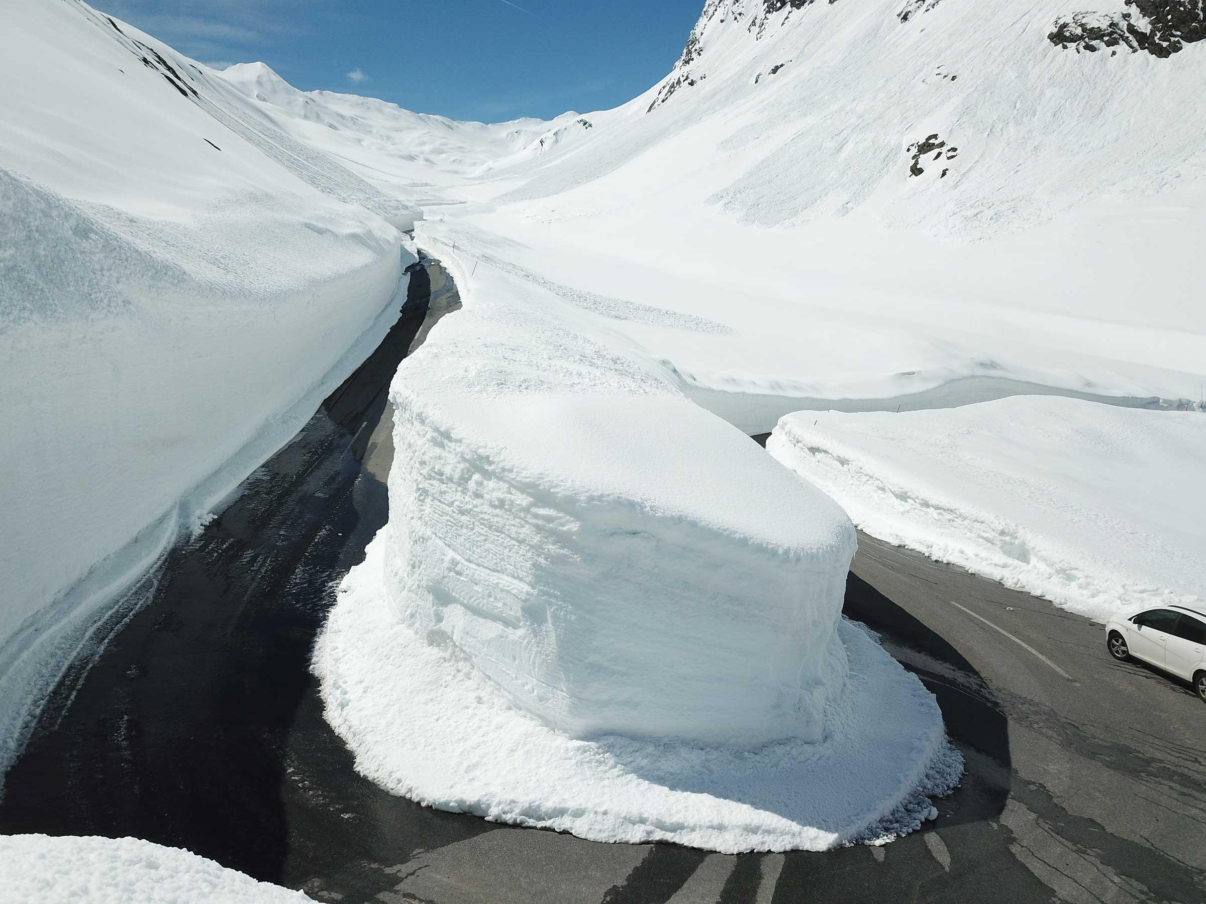 Schneeräumung am Timmelsjoch
