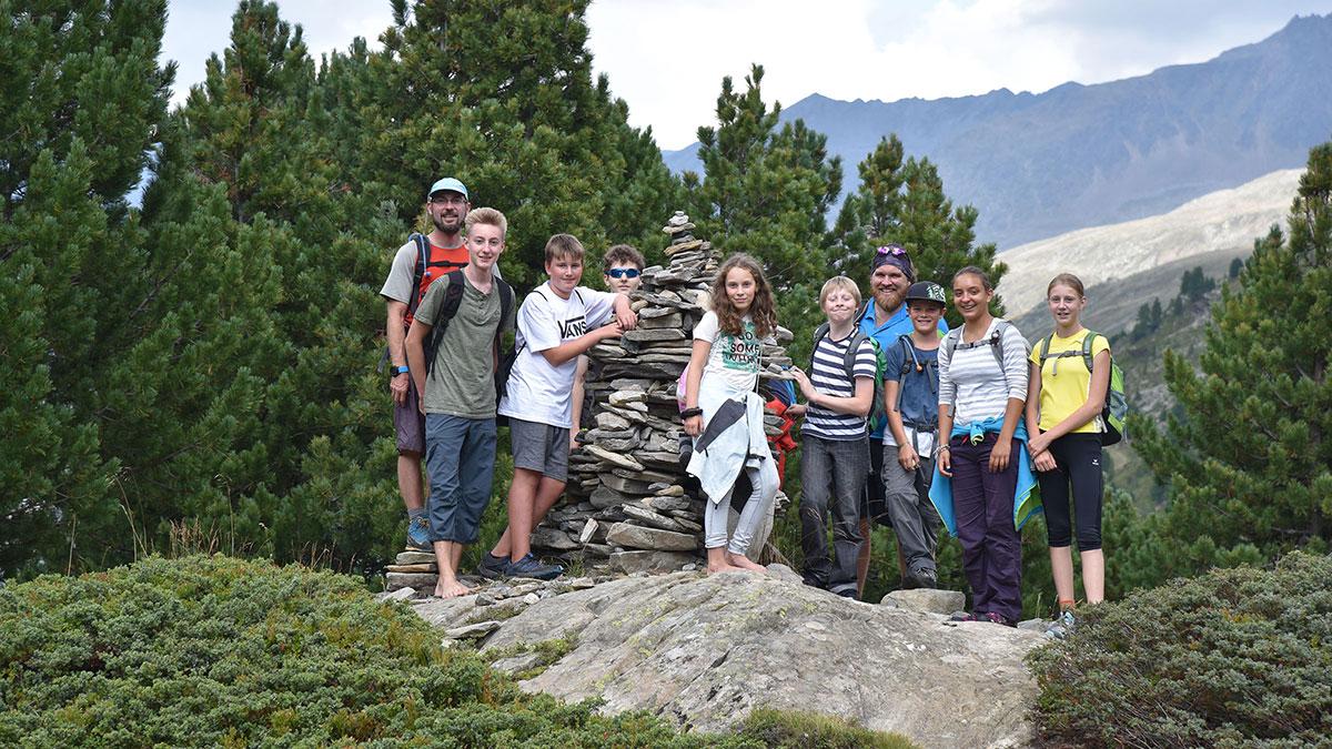 Gruppe Kinder Zirbenwald - Hochgebirge in Gurgl erforschen